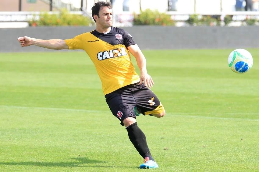 Atacante Kleber durante treinamento do Vasco em São Januário