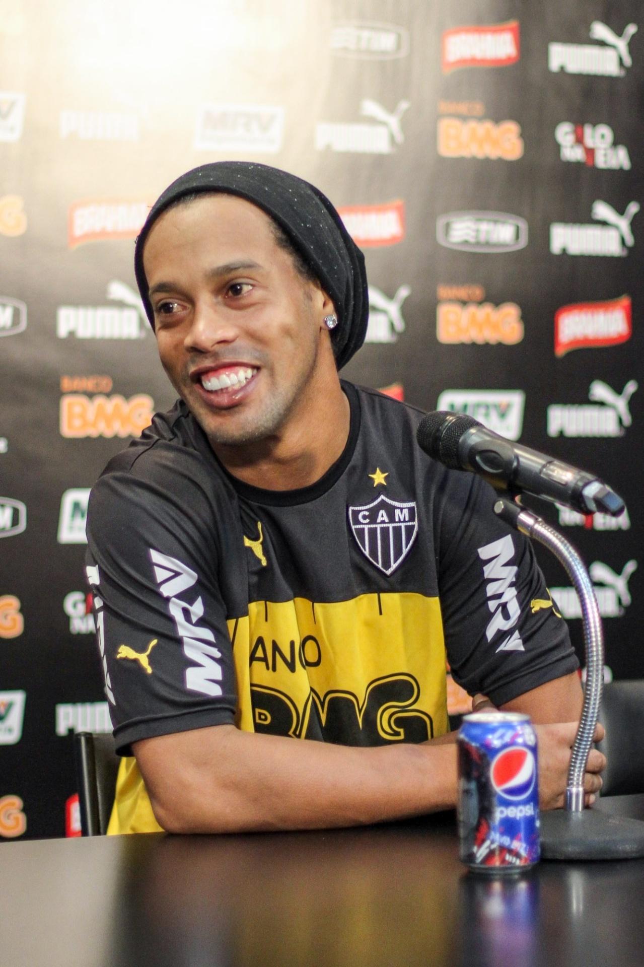 22 Jul. 2014 - Ronaldinho Gaúcho durante entrevista coletiva na Cidade do Galo