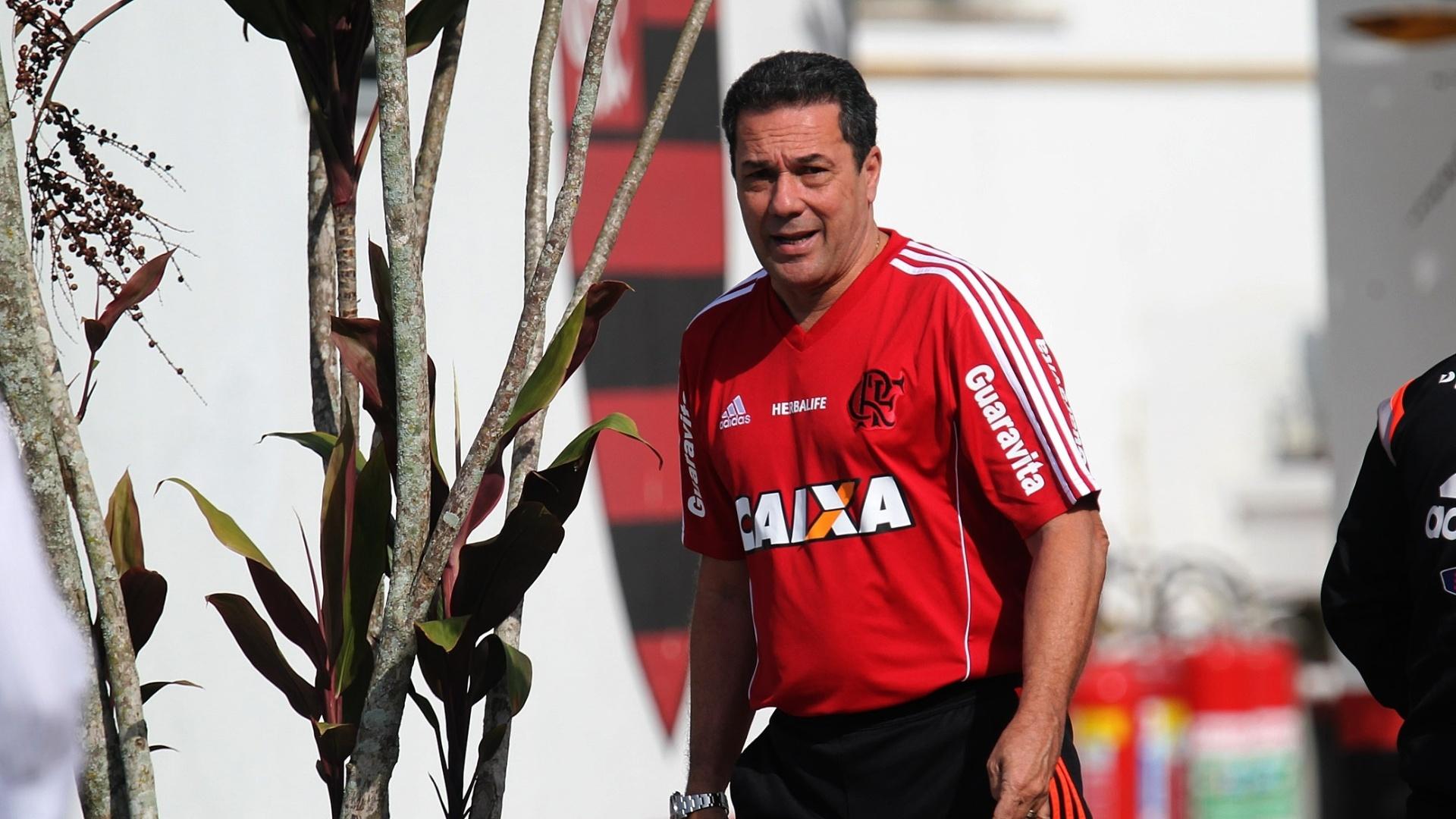 24.jul.2014 - Vanderlei Luxemburgo iniciou a sua quarta passagem como técnico do Flamengo