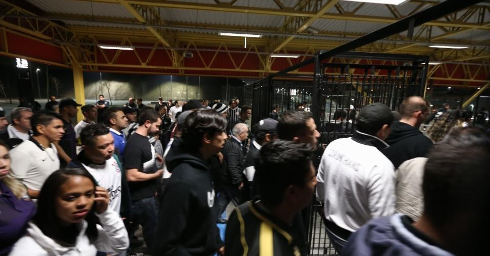 Alguns não conseguiram, mas a maioria pegou o metrô para casa após jogo do Corinthians no Itaquerão