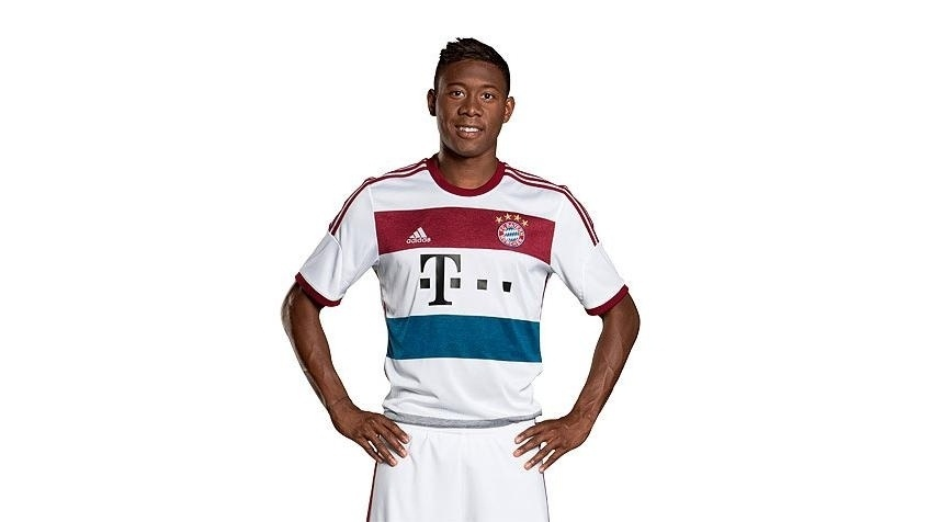 26.jul.2014 - Lateral David Alaba posa com nova camisa de visitante do Bayern de Munique
