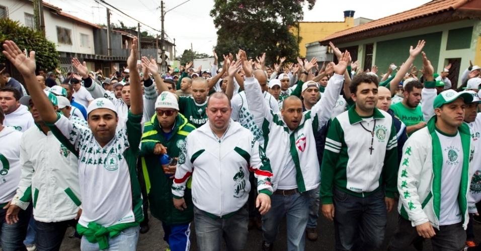 Autoridades de segurança estão preocupadas com o comportamento da torcida no primeiro clássico no Itaquerão depois da Copa - 27 julho 2014