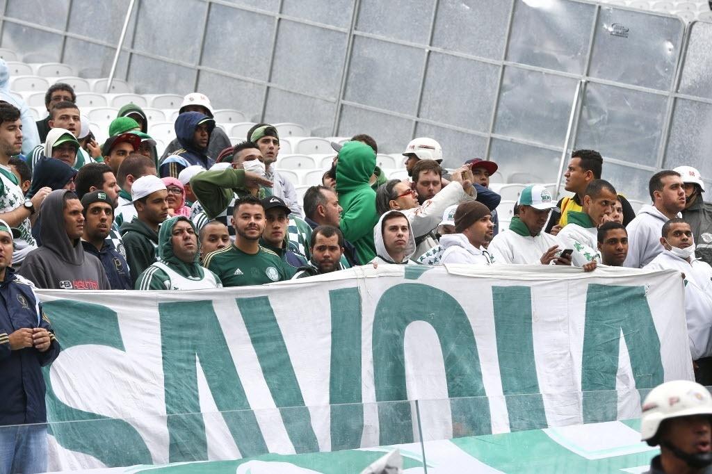Palmeirenses dentro do Itaquerão para primeiro clássico com o Corinthians na casa do rival - 27 julho 2014