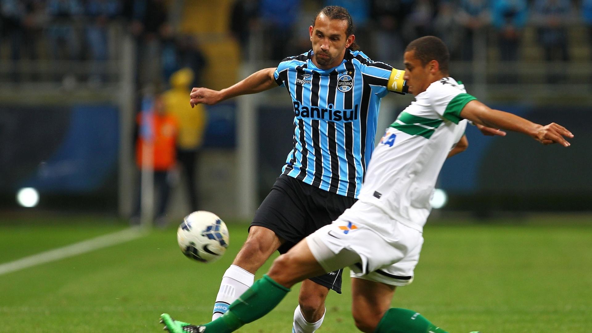 Barcos foi autor do segundo gol gremista na partida diante do Coritiba - 27 julho 2014