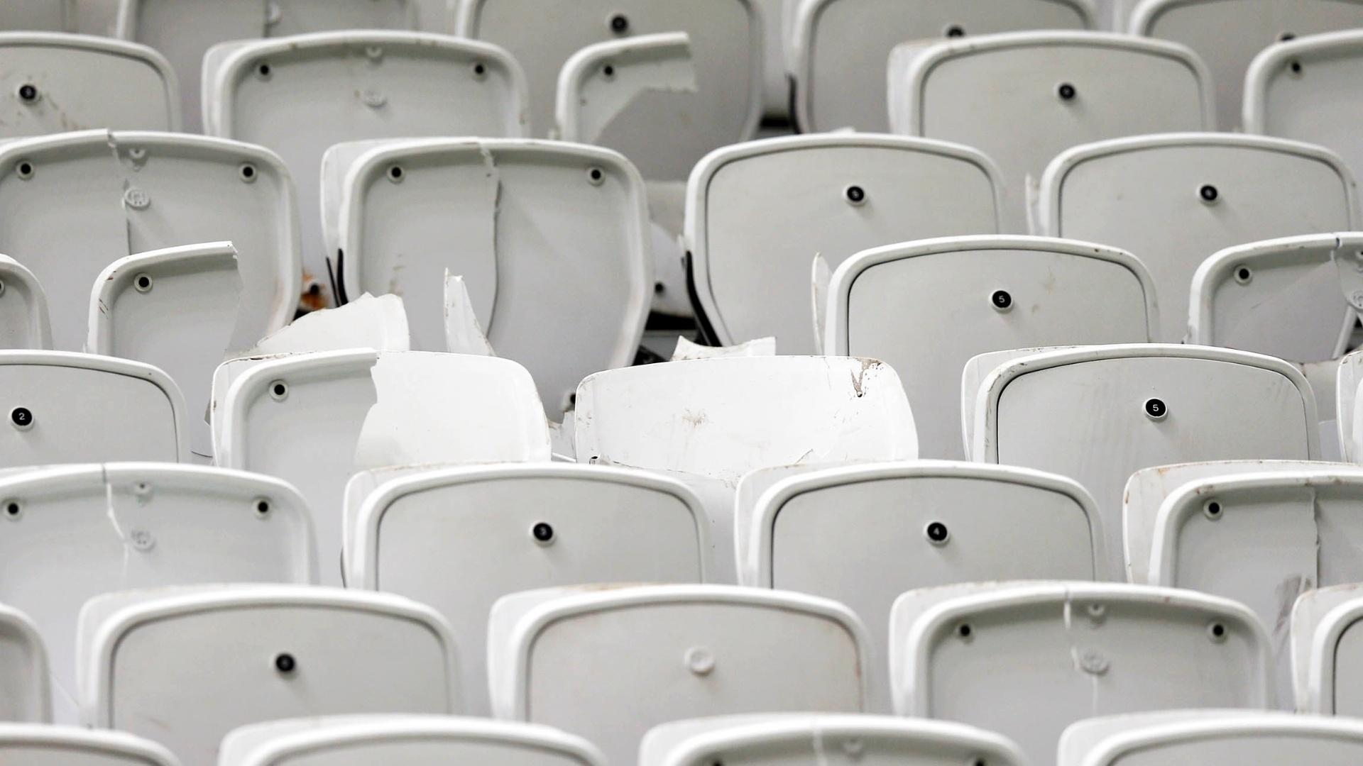 Cadeiras do Itaquerão ficam quebradas após clássico contra o Palmeiras pelo Campeonato Brasileiro