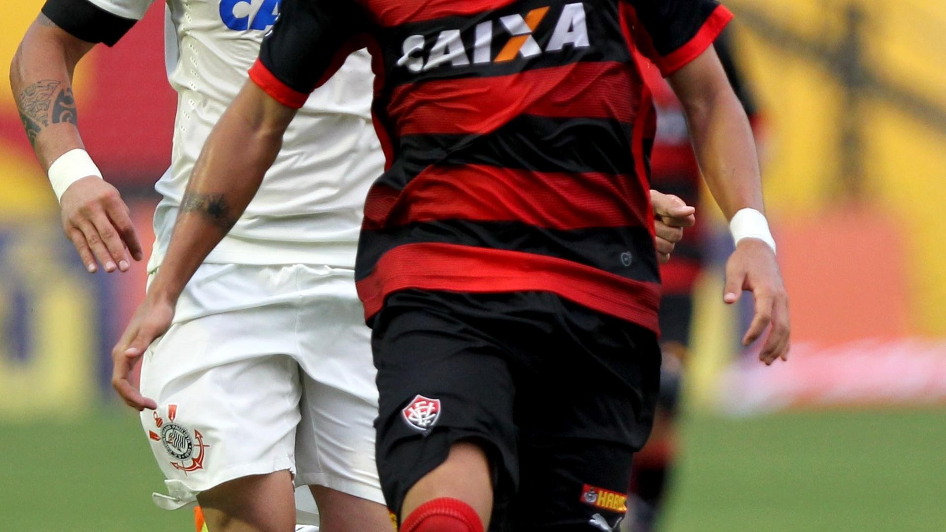 Euller, lateral esquerdo do Vitória