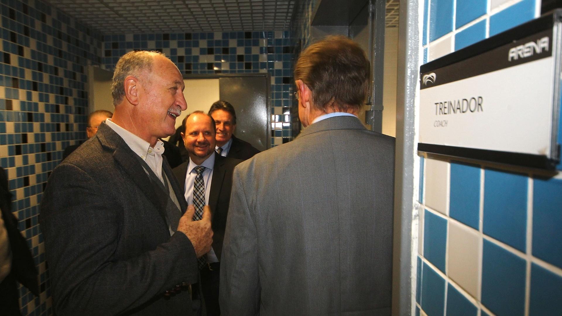 30.07.2014 - Felipão conhece vestiário da Arena Grêmio