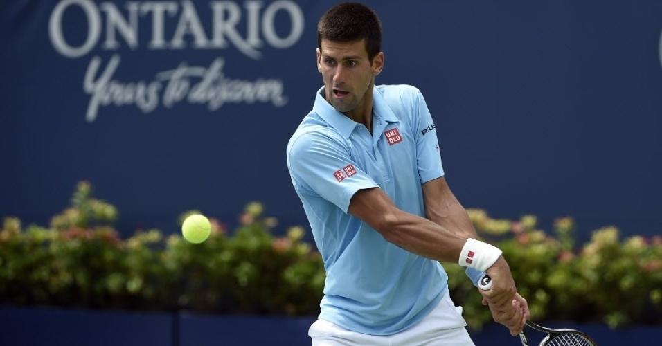 Djokovic rebate a bola no duelo com Monfils em Toronto, na segunda rodada