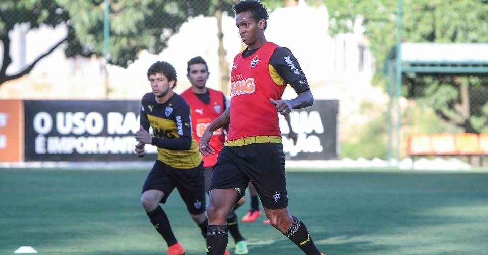 8 ago 2014 - Após quatro dias ausente, Jô se reapresenta ao Atlético-MG e treina como titular em preparação para jogo com Palmeiras