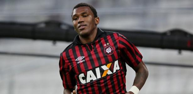 Gol contra o Botafogo, em agosto de 2014, havia sido o último de Coutinho pelo Atlético-PR