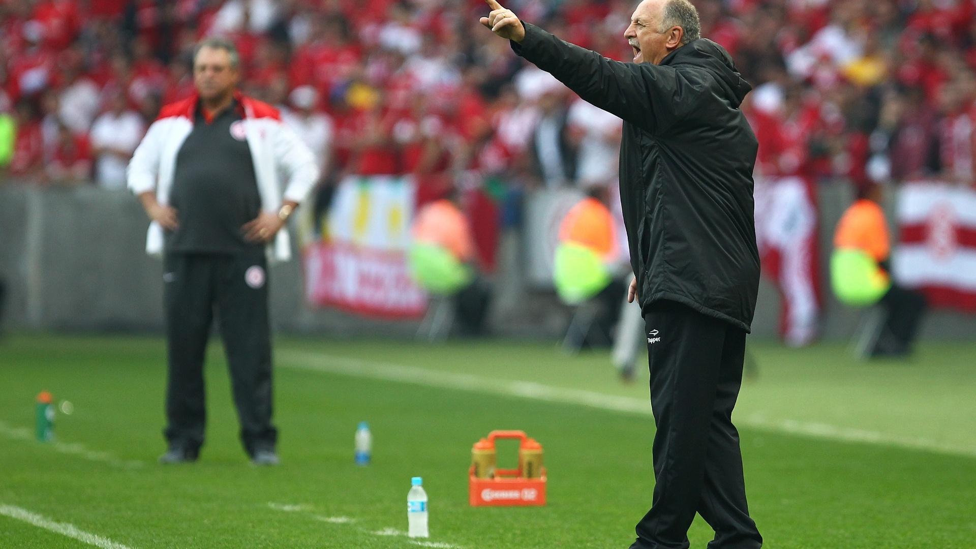 Luiz Felipe Scolari comanda o Grêmio em seu retorno ao clube no Grenal