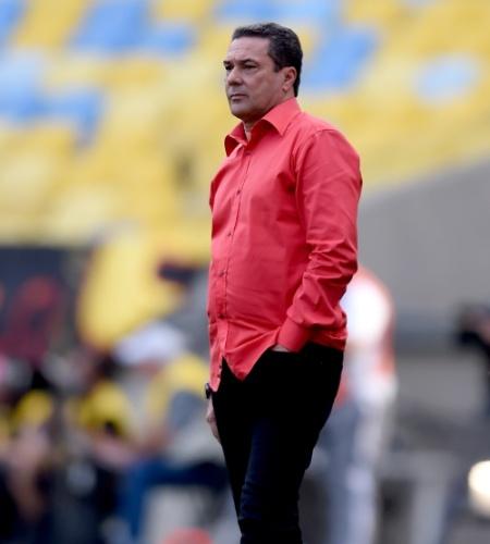 Vanderlei Luxemburgo comanda o Flamengo contra o Sport no Maracanã