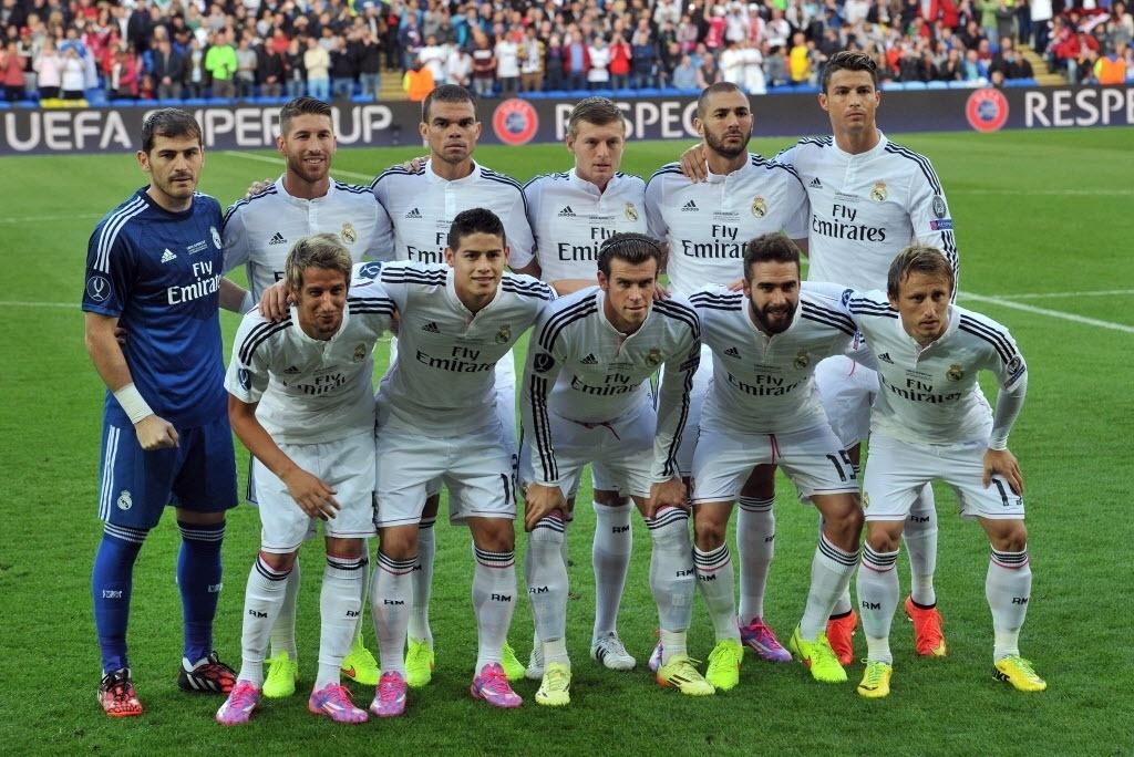 Time do Real Madrid posa para foto antes da decisão da Supercopa da Europa
