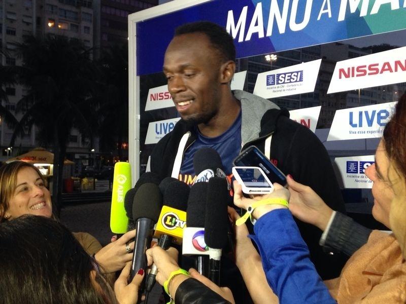 15.ago.2014 - Usain Bolt concede entrevista em sua terceira passagem pelo Rio de Janeiro antes do desafio dos 100m