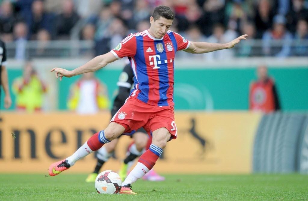 Lewandowski perdeu pênalti na partida contra o Prussia Münster