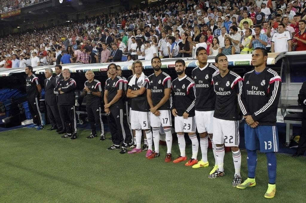 Coentrão, Arbeloa, Isco, Varane, Di Maria e Navas no banco do Real Madrid
