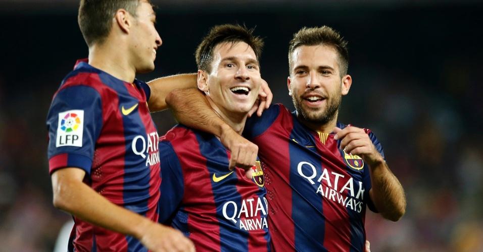 Munir, Messi e Alba comemoram gol contra o Elche na estreia do Espanhol