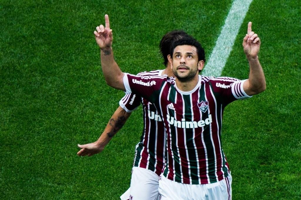 Fred comemora o gol de pênalti que abriu o placar para o Flu sobre o Corinthians