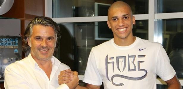 Zagueiro Dória, que trocou o Botafogo pelo Olympique de Marselha, foi um dos poucos destaques nas transferências do Brasil para a Europa