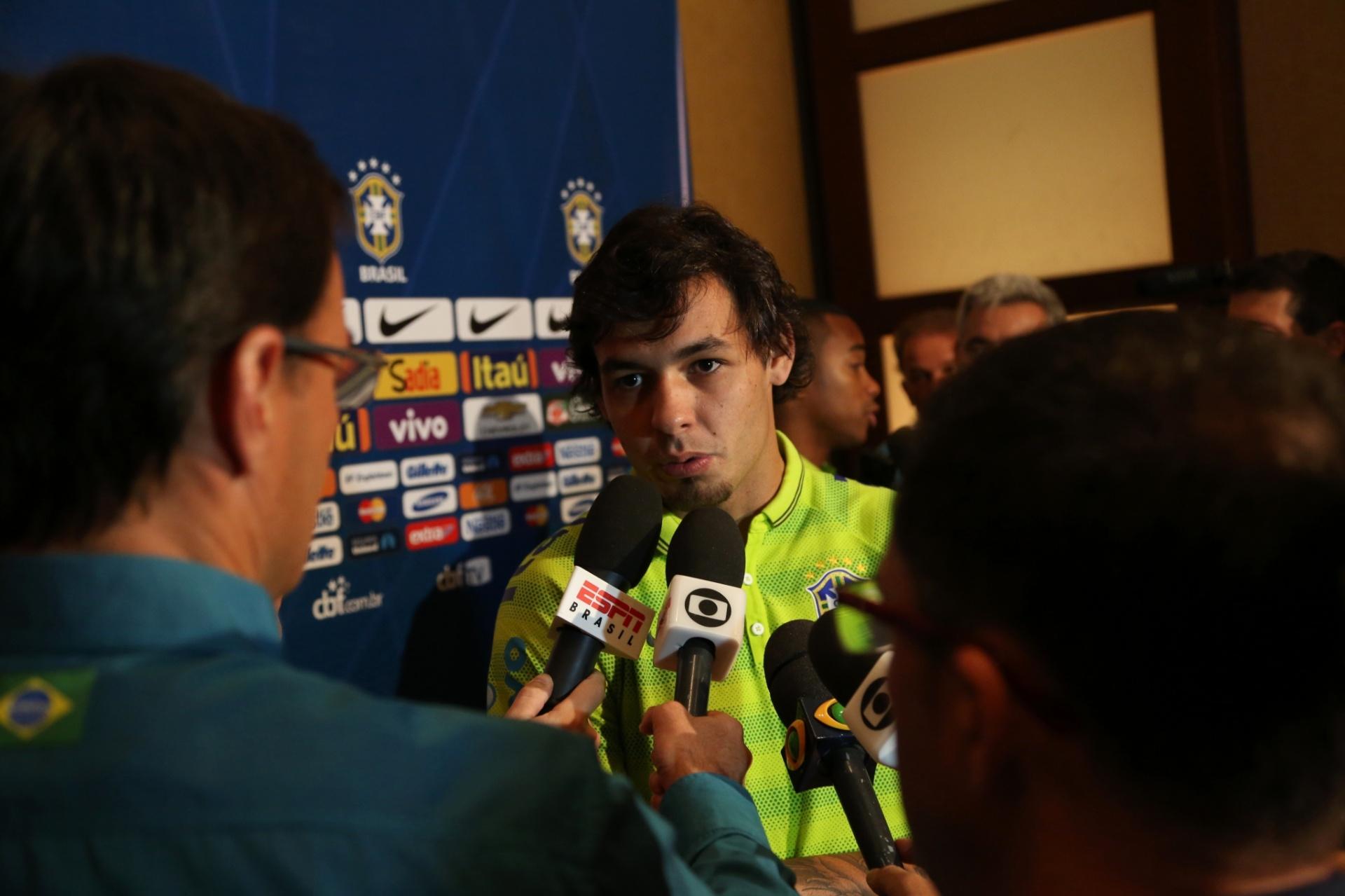 02. set. 2014 - Ricardo Goulart atende à imprensa nesta terça (2), em Miami, local do jogo contra a Colômbia, na sexta (5)