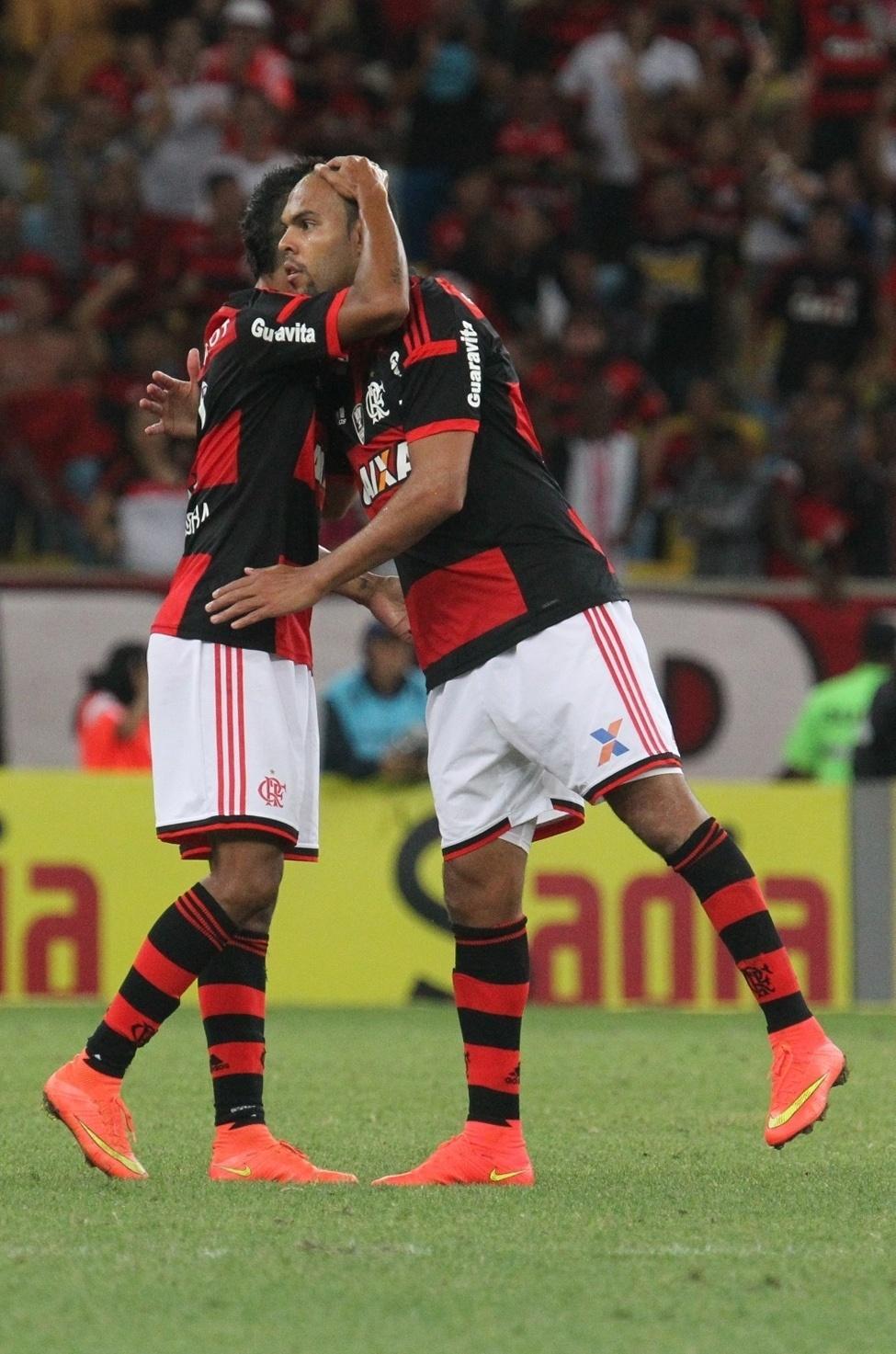 Alecsandro comemora gol do Flamengo contra o Coritiba