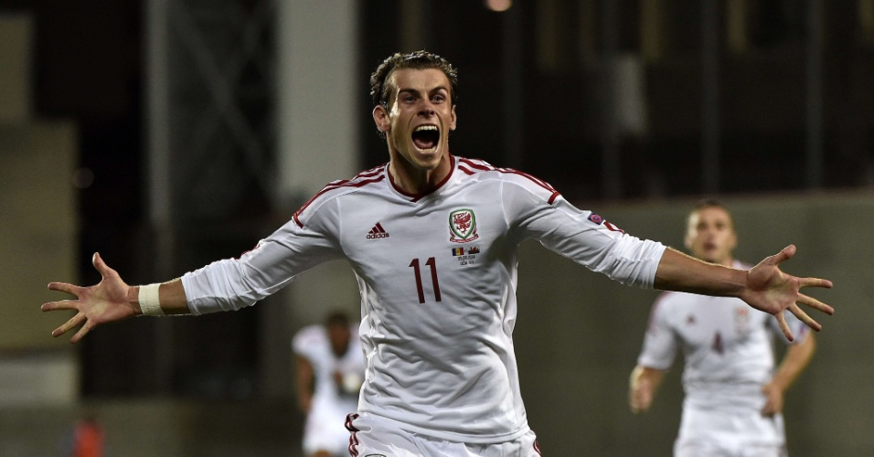 09. set. 2014 - Gareth Bale comemora seu gol por País de Gales nas Eliminatórias da Euro