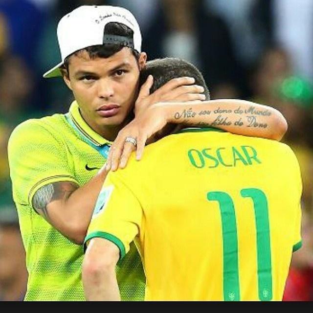 Thiago Silva usou foto do 7 a 1 para homenagear Oscar