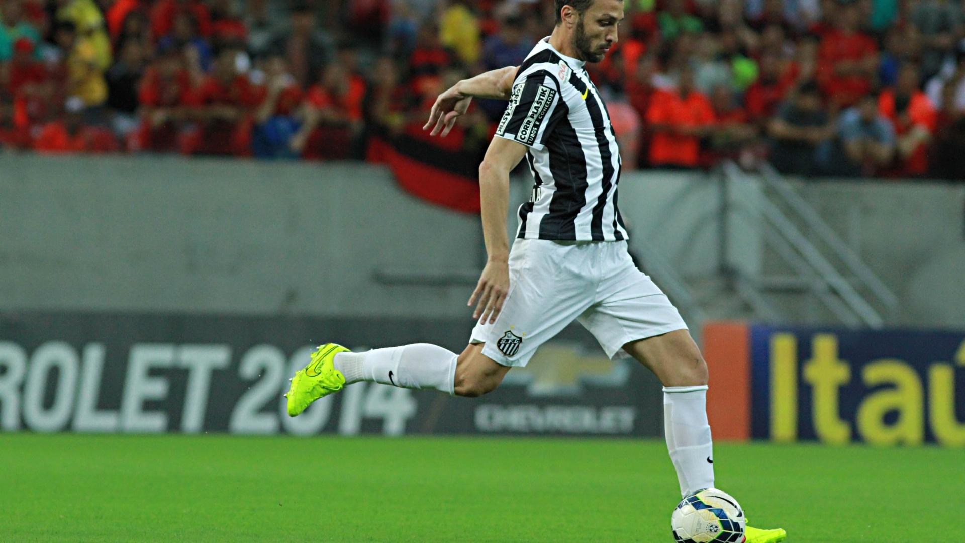 Edu Dracena sai jogando para o Santos contra o Sport pelo Brasileirão