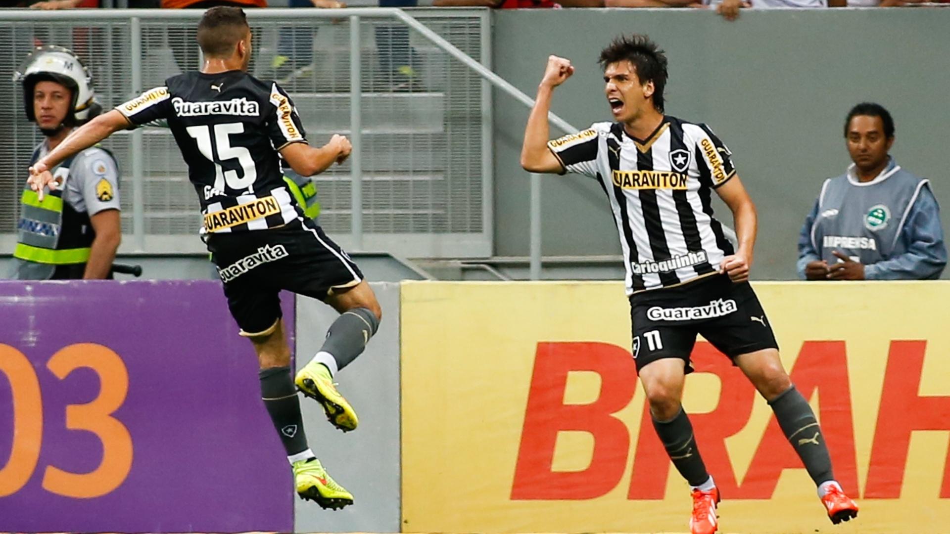 Zeballos comemora gol do Botafogo contra o São Paulo pelo Brasileirão