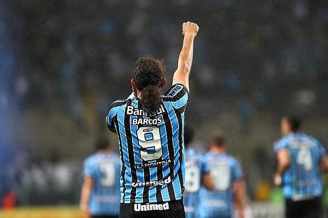 10 set 2014 - Barcos comemora mais um gol pelo Grêmio