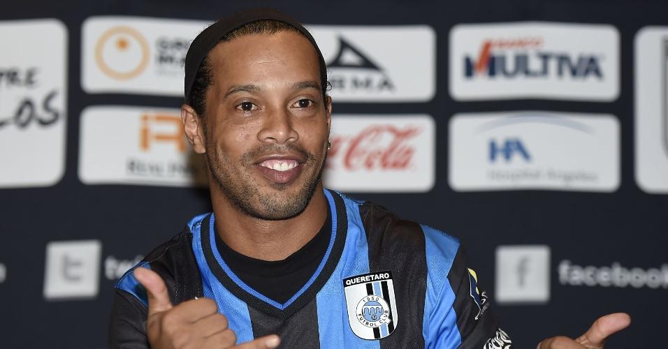 Ronaldinho Gaúcho faz pode após vestir camisa do Queretaro, do México