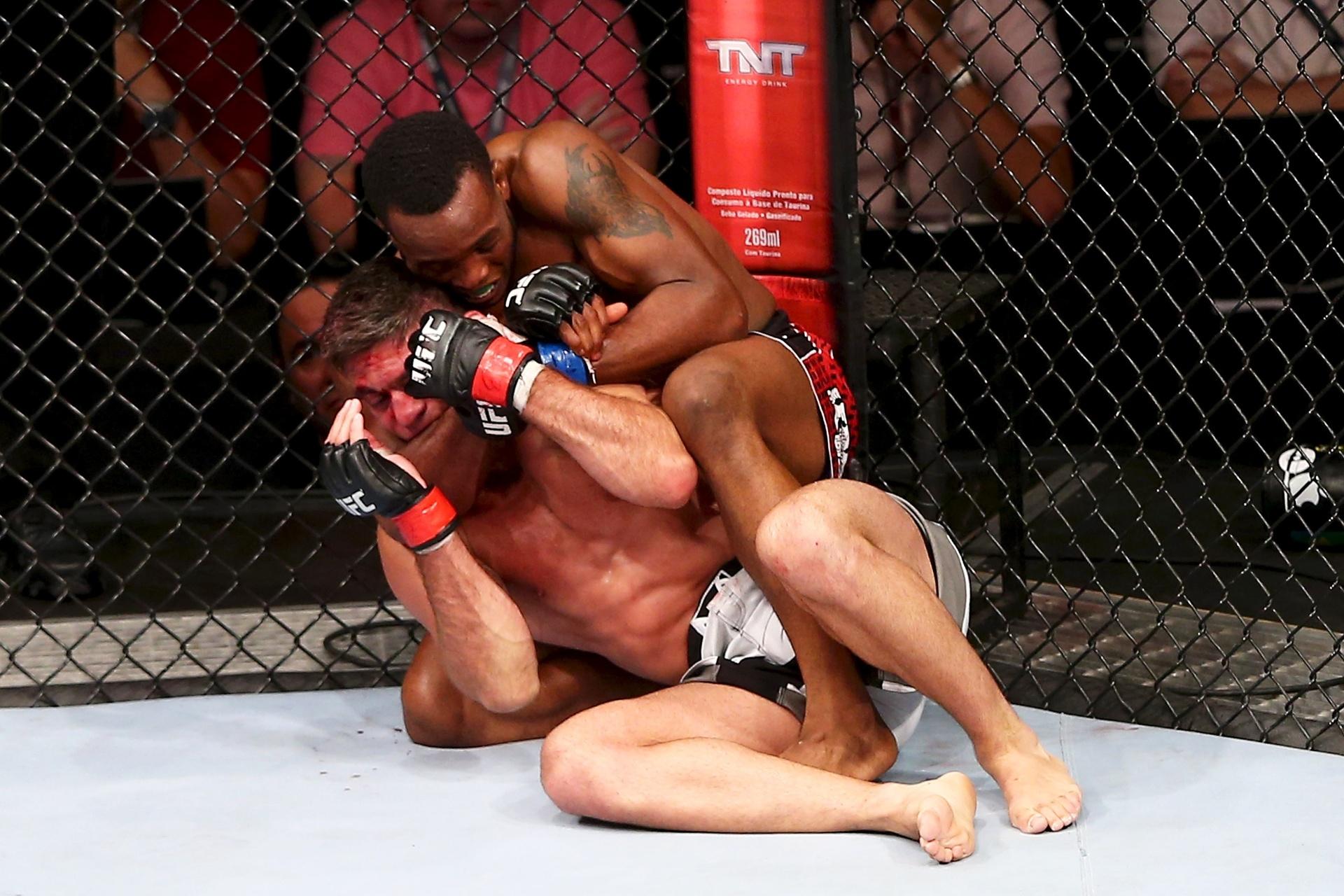 'Caveira' Paulo Thiago apanhou de Jesse Spencer e perdeu a 3ª seguida no UFC