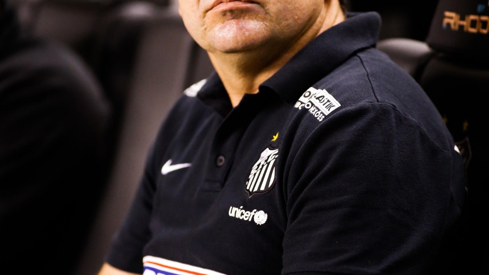 Ederson Moreira comandou o Santos pela primeira vez na Vila Belmiro neste sábado