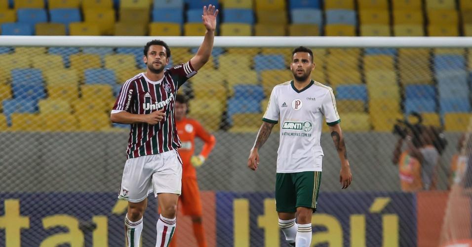 Fred marcou o segundo gol do Fluminense em cobrança de pênalti