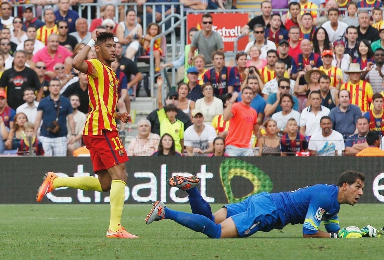 Neymar toca na saída do goleiro do Athletic Bilbao e marca para o Barcelona