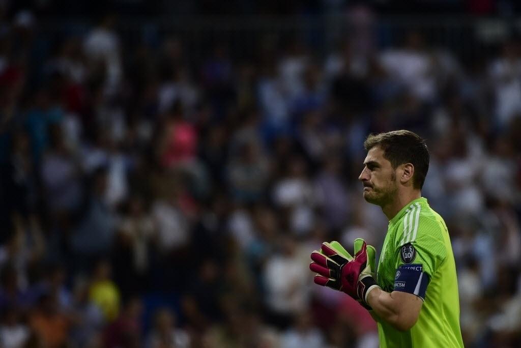16.set.2014 - Goleiro do Real Madrid, Iker Casillas demonstra preocupação durante a partida contra o Basel pela Liga dos Campeões