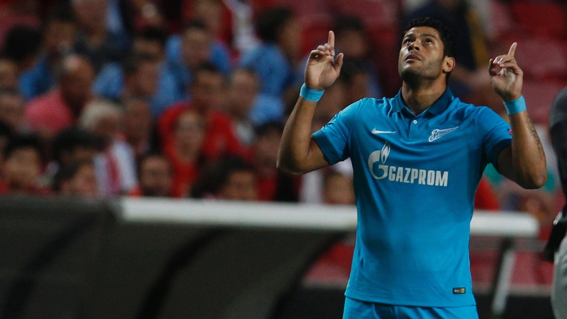 Hulk abre o placar para o Zenit contra o Benfica, em Portugal