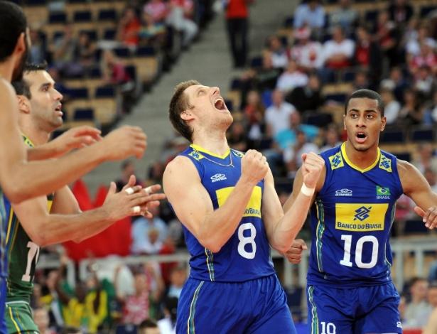 17. set. 2014 - Murilo volta à seleção brasileira e vibra muito com time na vitória contra a Rússia