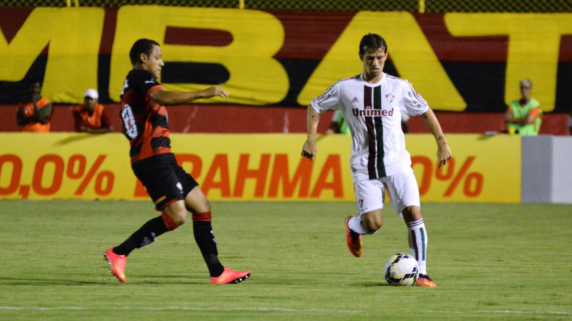 Diguinho sai jogando para o Fluminense contra o Vitória pelo Brasileirão