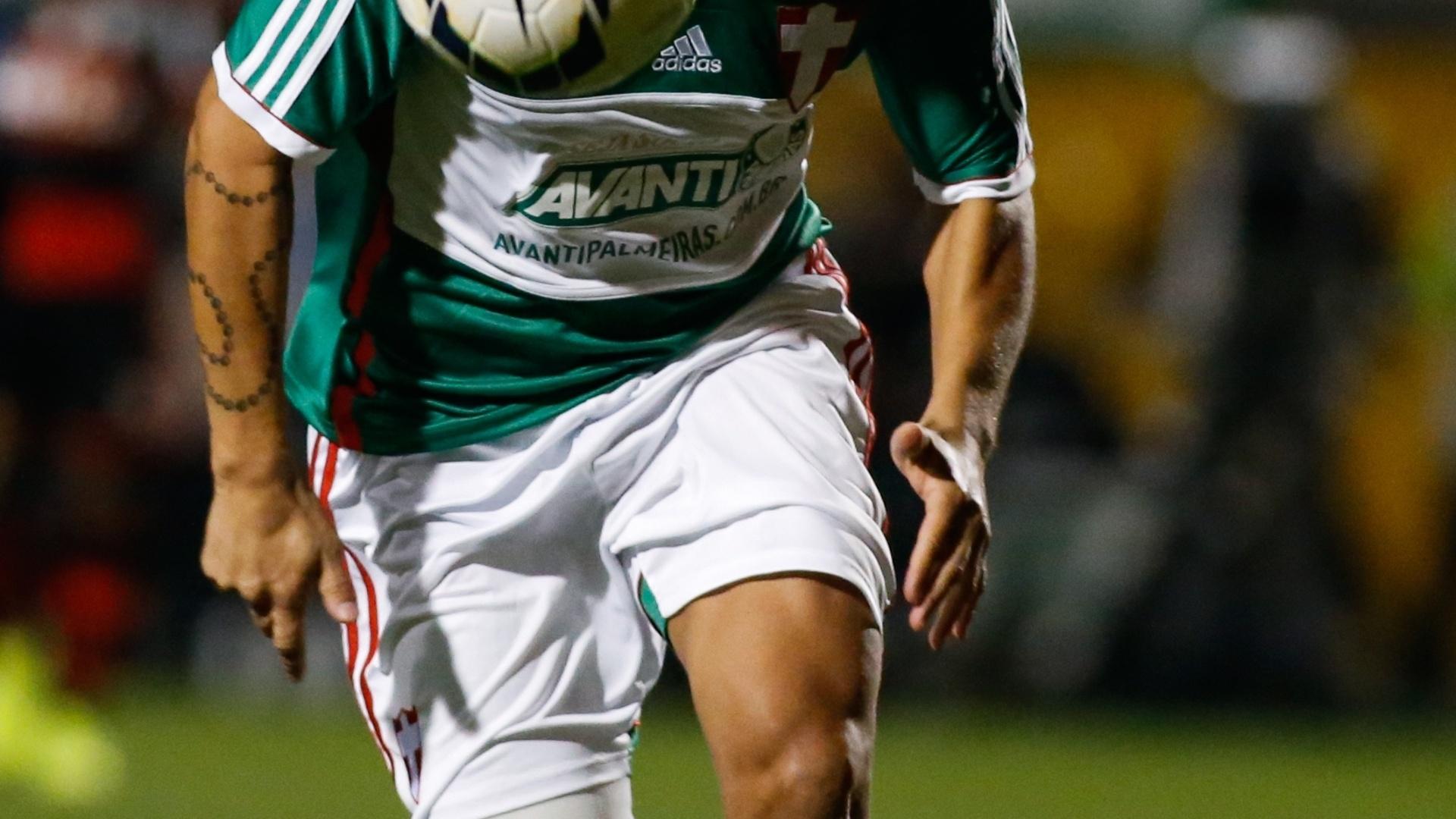 Valdívia volta aos gramados contra o Flamengo em jogo do Palmeiras