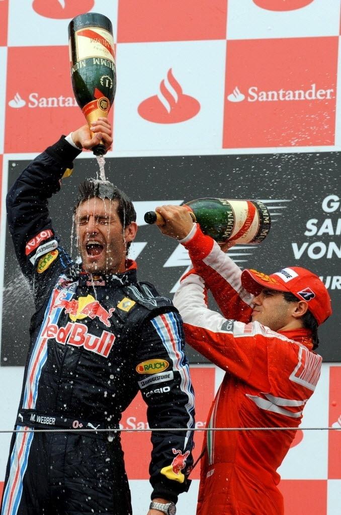 Mark Webber celebra vitória no GP da Alemanha, em 2009, em festa com Felipe Massa, terceiro colocado
