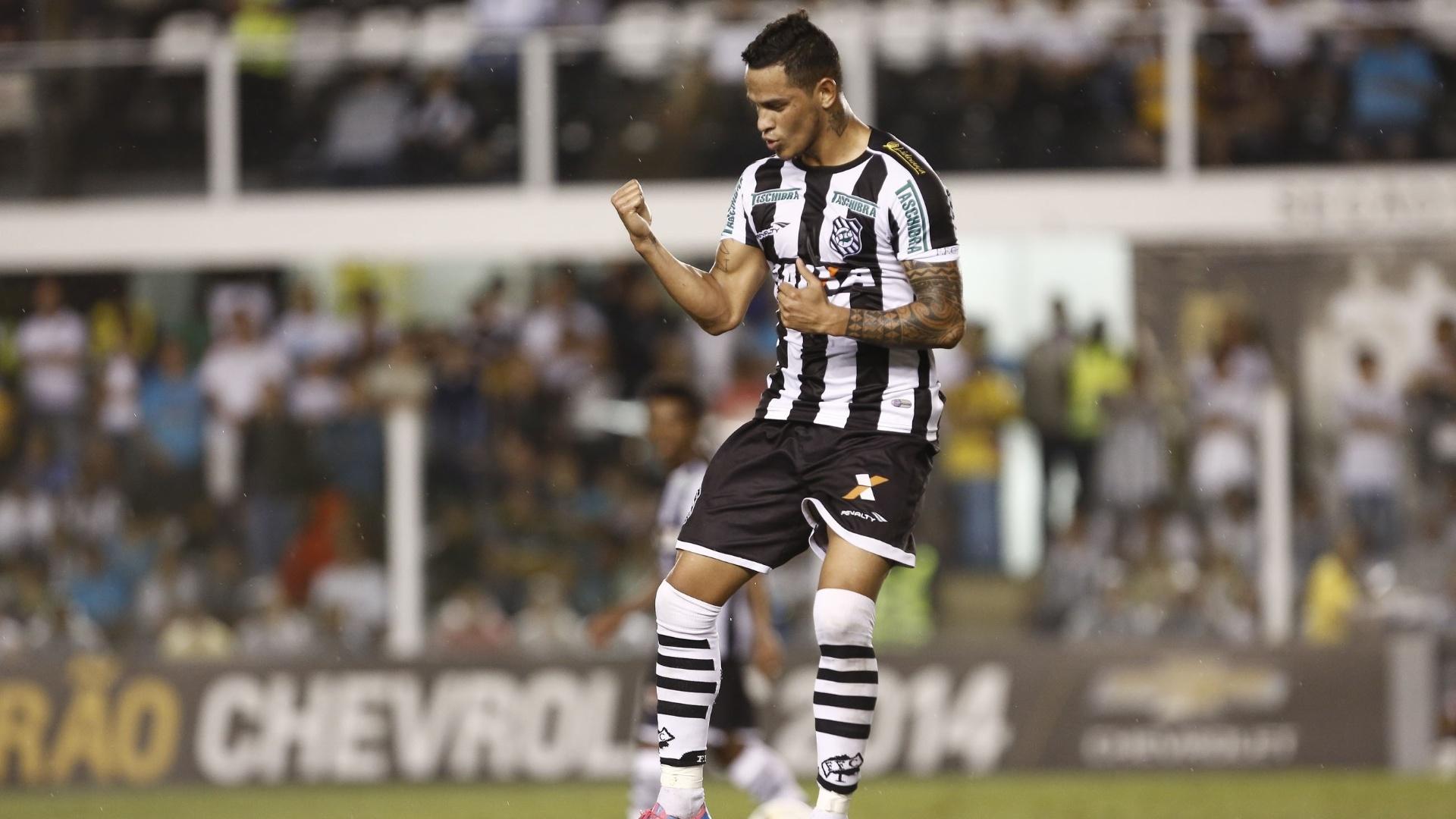 Na derrota do Figueirense por 3 a 1 para o Santos, o gol de honra do time catarinense por marcado por Giovanni Augusto. Ele comemorou bastante o tento