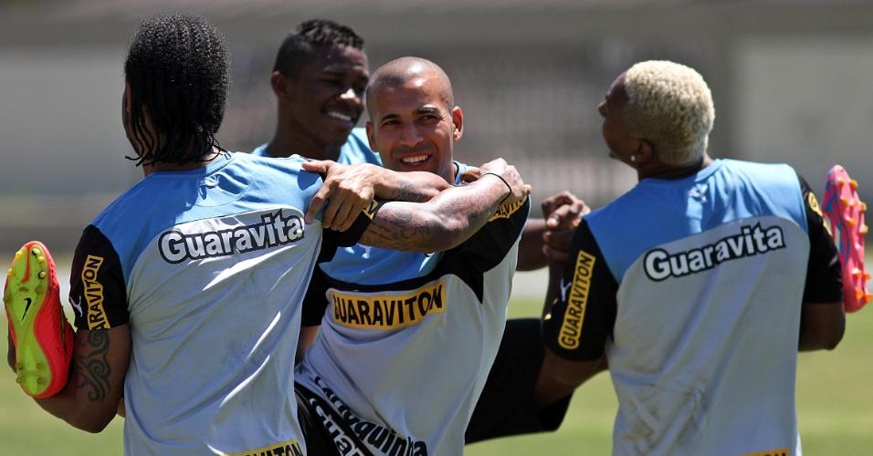 23 set. 2014 - Carlos Alberto, Emerson e Jóbson participam de treinamento do Botafogo no Engenhão