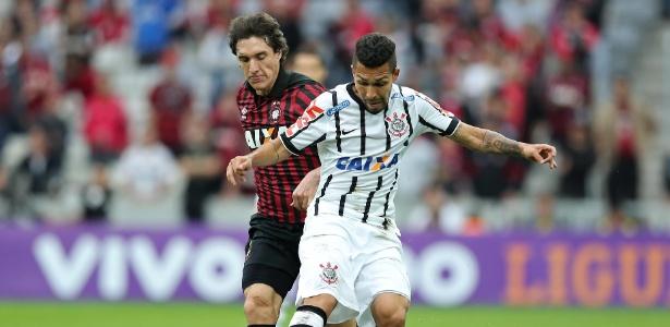 Possível escalação irregular de Petros pode tirar quatro pontos do Corinthians