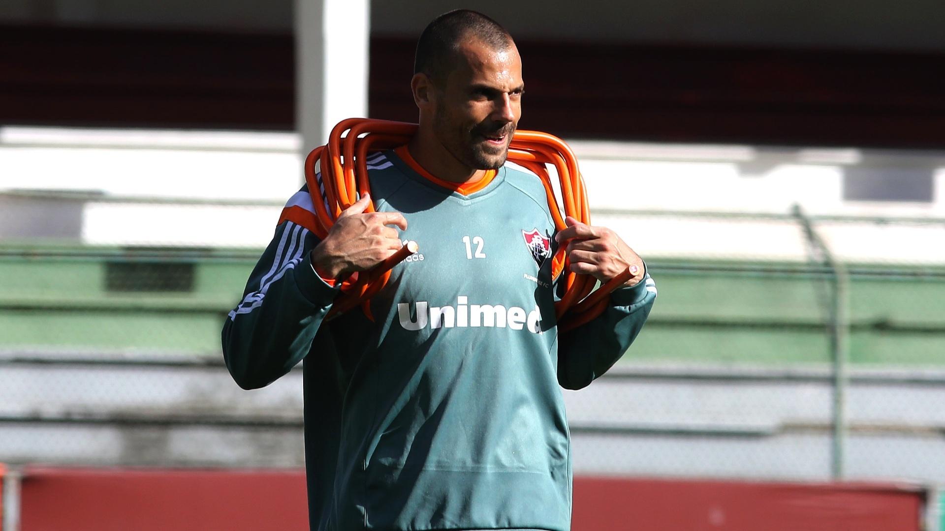 O goleiro Diego Cavalieri treina com o Fluminense nas Laranjeiras