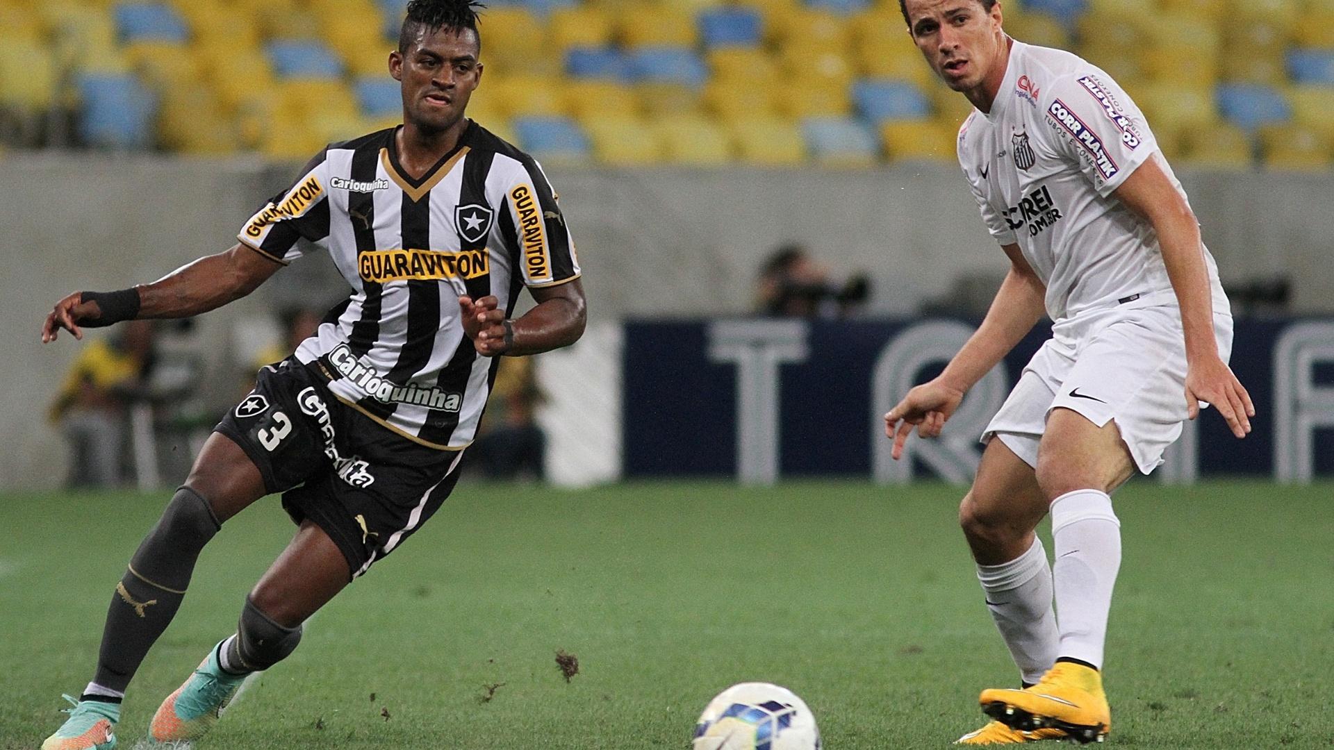 Dankler tenta toque para o Botafogo observado por Leandro Damião, do Santos