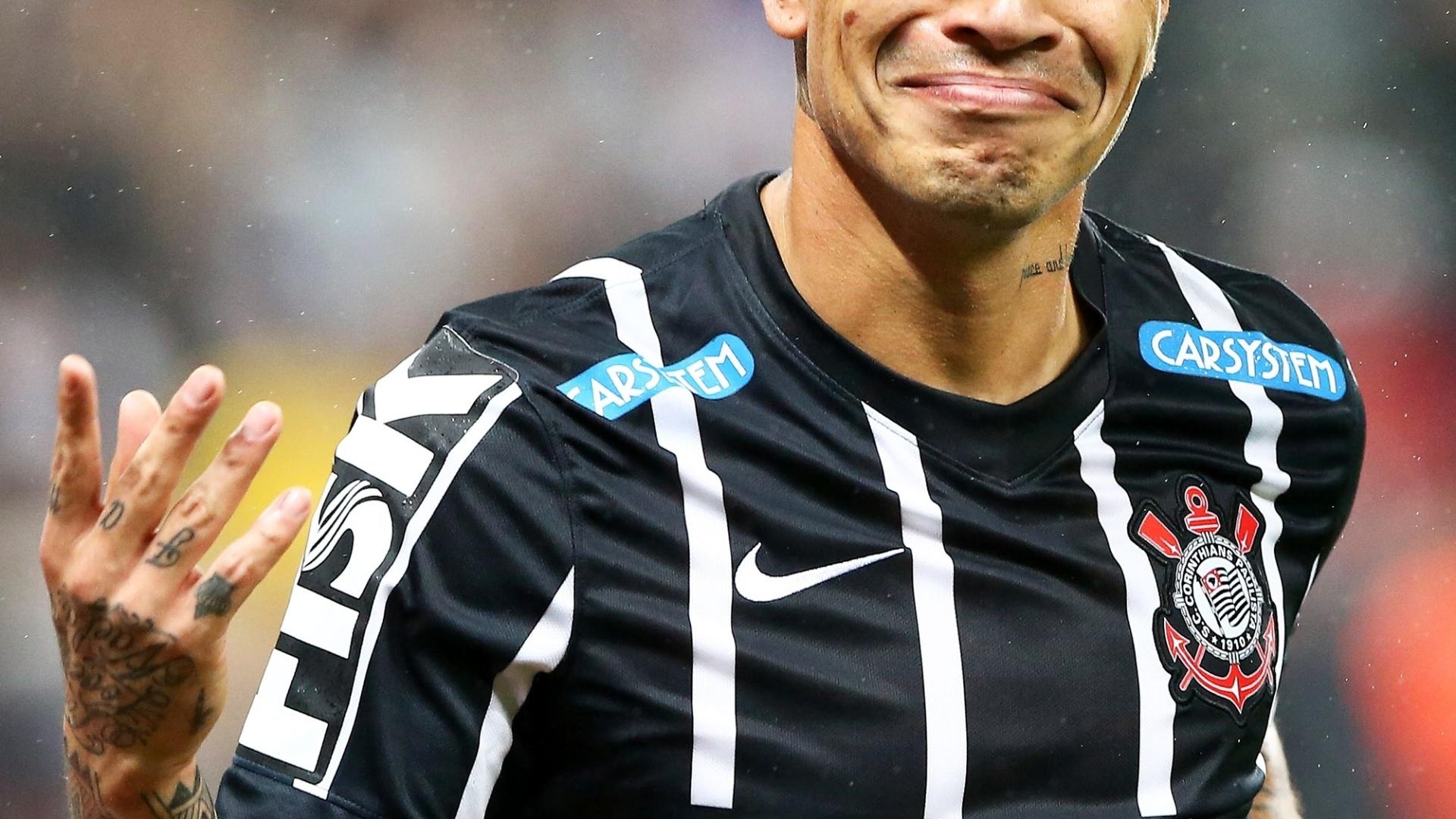 Guerrero abriu o placar para o Corinthians sobre o Atlético-MG no Itaquerão