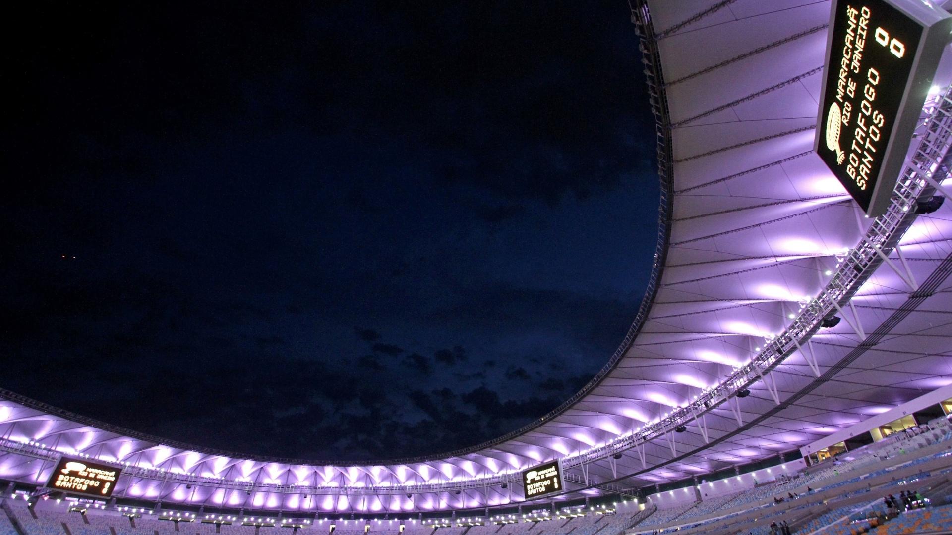Maracanã iluminado antes de Botafogo e Santos pela Copa do Brasil
