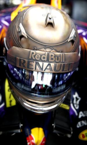 Detalhe do capacete de Sebastian Vettel