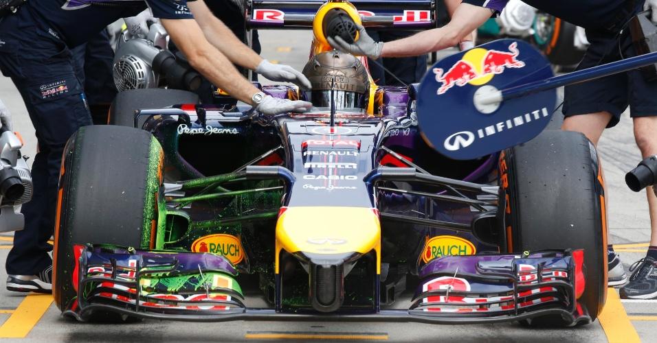 Sebastian Vettel faz pitstop no primeiro treino livre para o GP do Japão